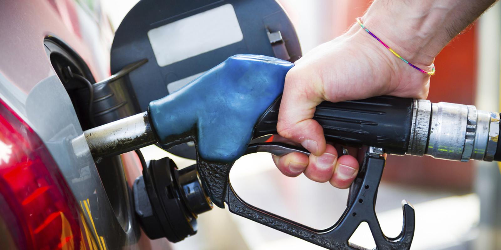 Resultado de imagem para Depois de um mês de quedas, há más notícias nos combustíveis