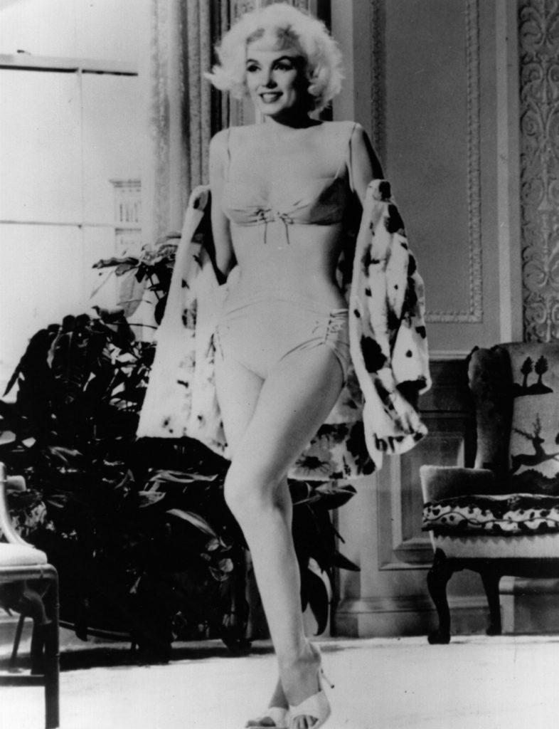 """Marilyn Monroe, aqui numa imagem pouco conhecida das filmagens de """"Something's Gotta Give', pouco antes de morrer em 1962."""