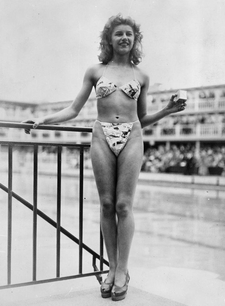 Micheline Bernardini foi a primeira mulher a vestir a criação de Louis Réard. Posou numa piscina parisiense a 5 julho de 1946.