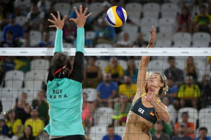 Podia ter sido só mais um jogo de voleibol de praia feminino durante os  Jogos Olímpicos 2c26137e17c08