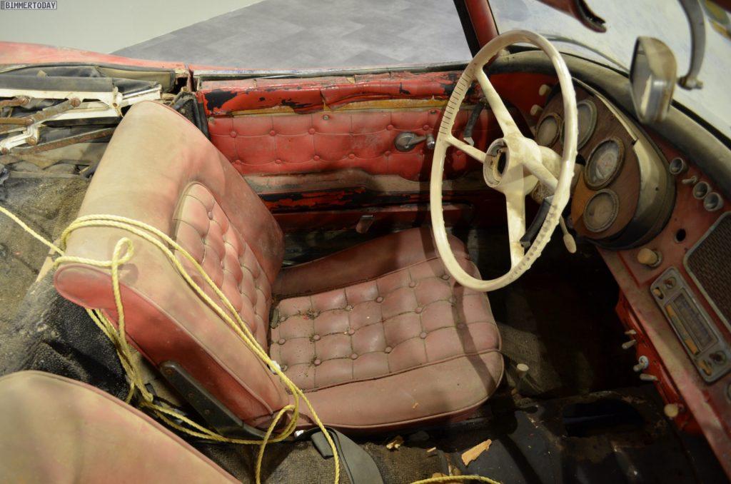 elvis-presley-bmw-507-unrestauriert-bmw-museum-innenraum-details-09